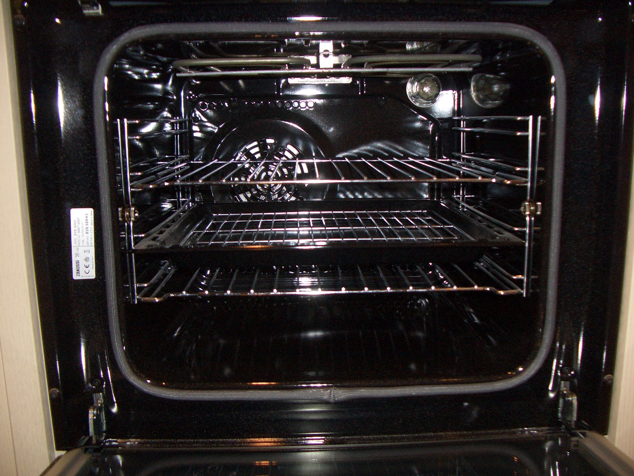 Sparkly Oven Cleaning Company Example Picture